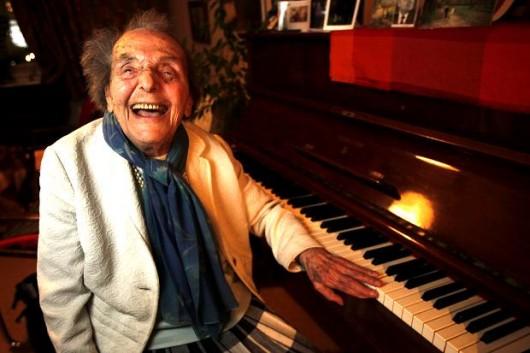 Extraordinara poveste a pianistei Alice Herz Sommer, cel mai longeviv supravieţuitor al Holocaustului.