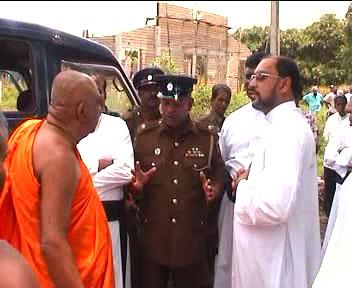 Extremistii budisti se opun vizitei Papei Francisc in Sri Lanka - Comentarii: 2