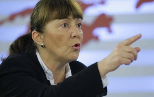 Monica Macovei: Ma deranjeaza abuzul de cruci de la televizor de catre politicieni care n-au nimic cu Dumnezeu - Comentarii: 7