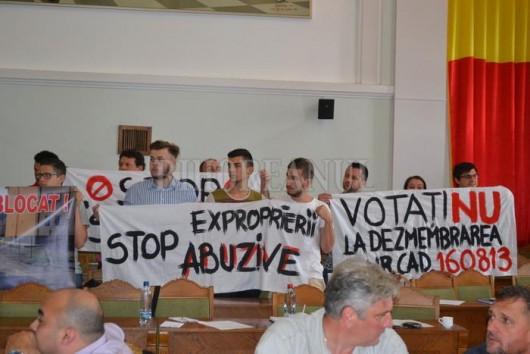Conflictul dintre evanghelici a ajuns pe masa consilierilor locali din Oradea - Comentarii: 2
