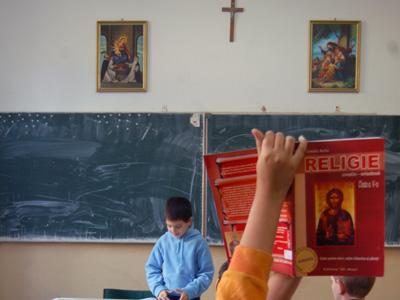 Ziare.com: Scoatem religia din scoli? Educatie sau prozelitism? - Comentarii: 62