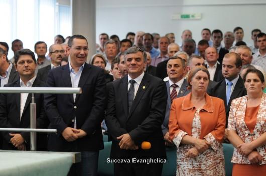 Victor Ponta pentru prima dată într-o biserică penticostală în România - Comentarii: 6