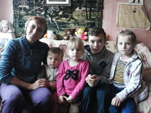 Ajută cu lemne de foc o mamă singură cu 4 copii - Comentarii: 0