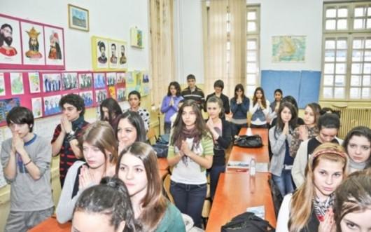 Ora de religie în Europa. Doar două ţări au scos educaţia religioasă din şcoală - Comentarii: 4